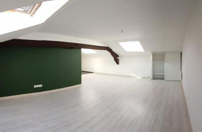 Appartement T3 dernier étage - St Sernin