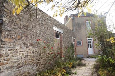 Maison Quelaines Saint Gault 6 pièce(s) 115 m2