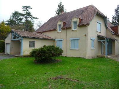 Centre bourg maison grand confort de 260m², 7 pièces, dépenda