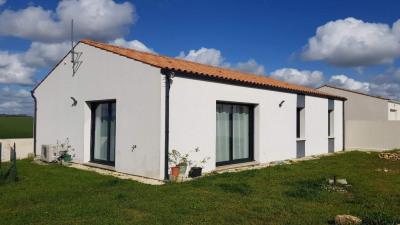 Maison Saint Romain De Benet 4 pièce(s) 95 m2