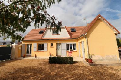 Maison rénovée et ses dépendances