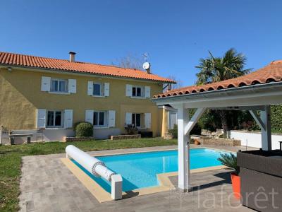 Maison Bourgoin Jallieu 5 pièce(s) 200 m2