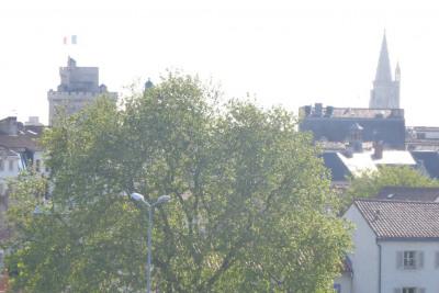 Vue panoramique sur le centre-ville, terrasse de 6