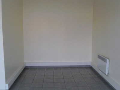 Rental empty room/storage Pleyben (29190)