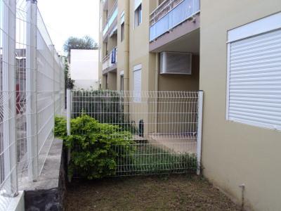 Appartement T2 entièrement meuble + jardin pivatif, centre