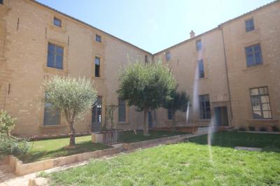 Appartement 3 pièces 107 m² au Château de Meyrargues