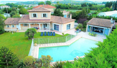 Magnificent Villa with 4 room (s) 140 m2 with a plot of 1500