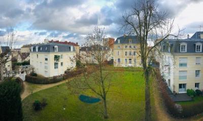 Superbe résidence au Centre de Chantilly
