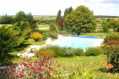 Appart rez-de-chaussée villa, piscine, terrasse