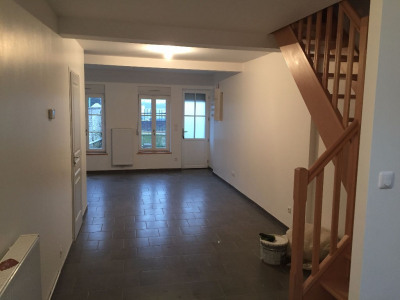 Saint-Omer - Maison entièrement rénovée avec 2 chambres et une cour