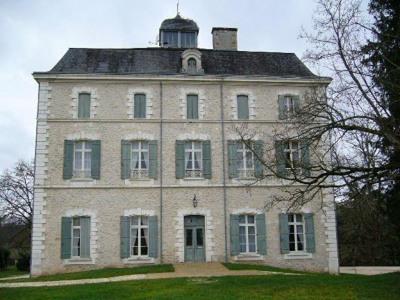 Château 25 pièce (s) 1500 m²