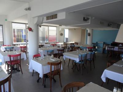 Restaurant front de mer