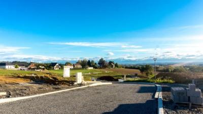 Terrain a bâtir serres castet - 725 m²