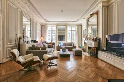 Appartement Paris 4 pièces 158m²
