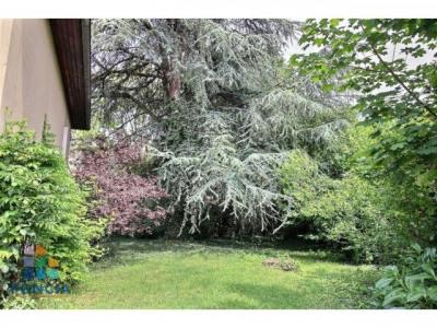 Maison de type Plan Favier à rénover avec un joli jardin arboré