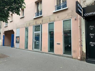 Local commercial de 206 m² à La Croix de Chavaux