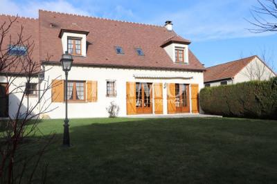 Maison 9 pièce (s) 215 m²