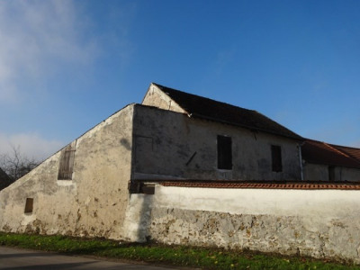 Grange à rénover sur 446 m² de terrain