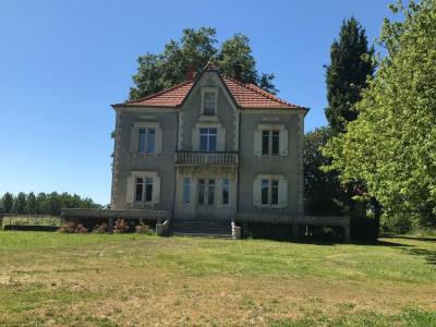 Maison de Maître Pomarez 9 pièce (s) 258 m²