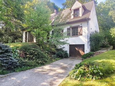 A vendre boissise le roi maison 7 pièces de 140 m² sur sous-sol