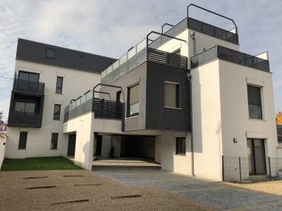 Studio avec balcon et parking