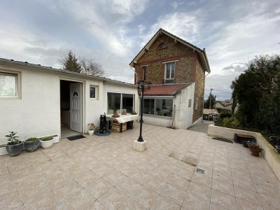 (detached) house 9 rooms