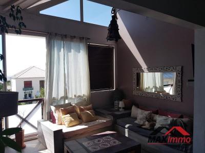 Appartement st gilles les bains - 4 pièce (s) - 74 m²