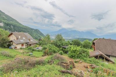 Terrain constructible de 860 m² - Verel Pragondran