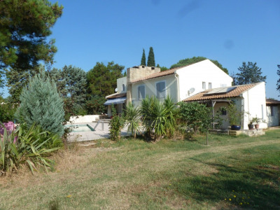 Arles à vendre maison de 200 m² environ sur une parcelle de