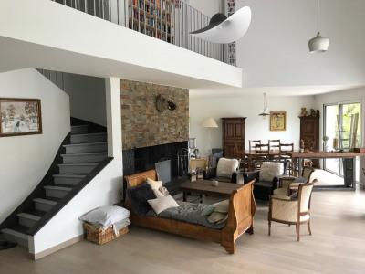 Maisons-laffitte parc - 7 pièces 5 chambres - terrain 1457m²
