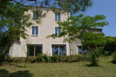 Maison Marsais Sainte Radegonde 5 pièce (s) 100 m²