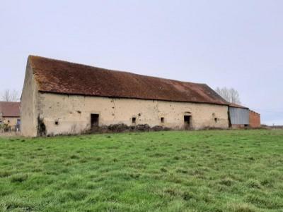 Grande grange réhabilitable sur 8800 m² prairie~avec vue dég