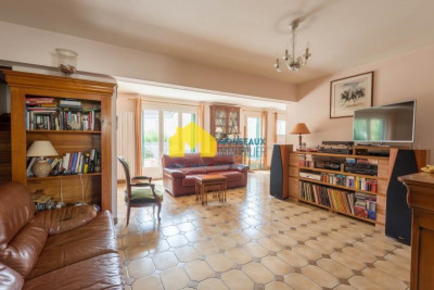 Maison de ville ste geneviève des bois - 6 pièce (s) - 136 m²