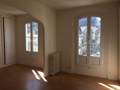 LAVAL appartement T2 de 65 m² au 2ème étage