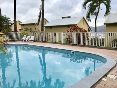 Joli studio avec piscine vue sur la Marina du Marin