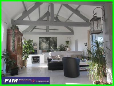 Superbe maison vue dégagée 4 chambres 2 garages 2 ateliers jardi