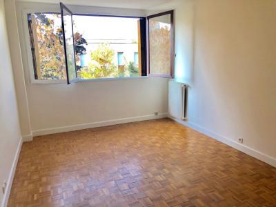 Appartement 2 pièces 2ème étage cave + Box -clair calme