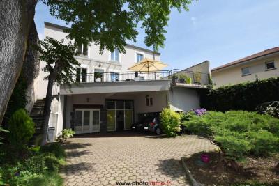 Maison Aubiere 4 pièce (s) 179 m²