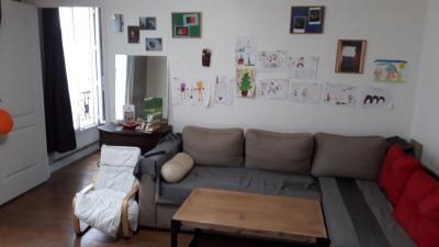 Appartement 3 pièces 2 chambres 3ème étage 2 caves