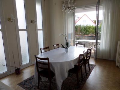 Maison La Celle Saint Cloud 8 pièce(s) 180 m2