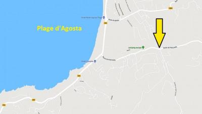 Boxs et locaux à 300 m de la plage d'Agosta en bord de route