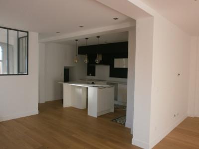 Appartement 3 pièces de 101m² à 700m du marché de la Teste