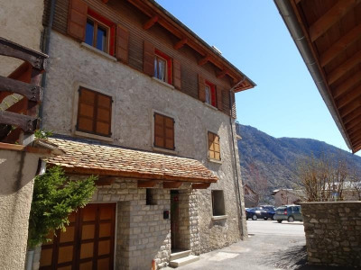 Maison en pierres, 110 m² - Thorame Haute (04170)