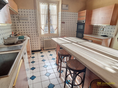 A vendre demeure bourgeoise proche A6