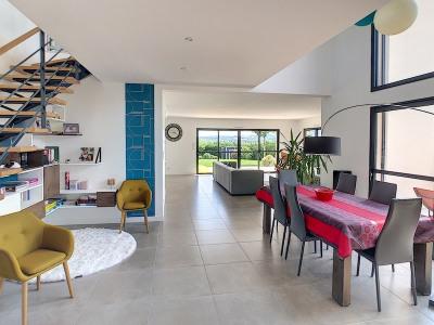 Location Maison - 189 m² - 4 ch