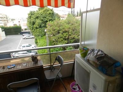 Appartement Saint Laurent Du Var 1 pièce (s) 27 m²