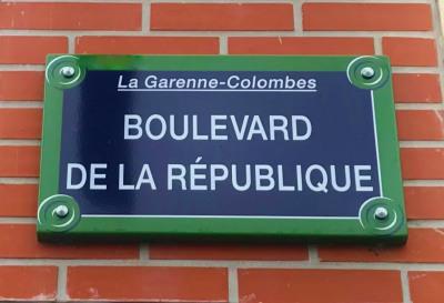 92250 LA GARENNE COLOMBES, 4 pièces de standing sur 80 m²