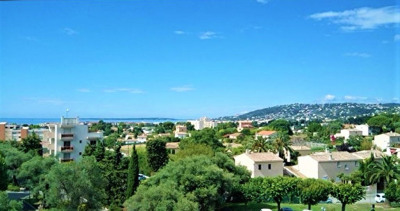 Apartment 3 rooms 62 m² in Antibes