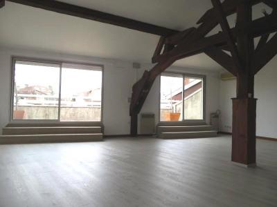 Appartement atypique avec terrasse