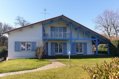 Maison 4 chambres, piscine et garage